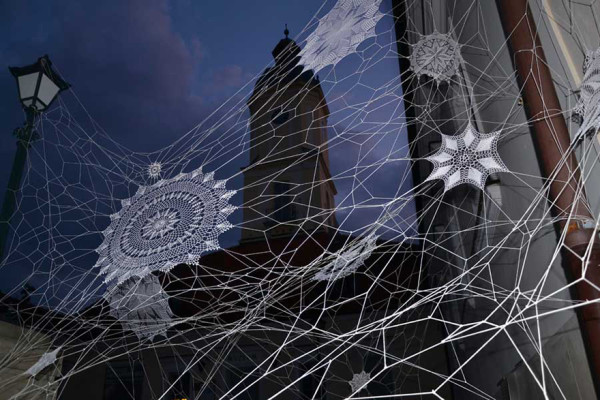 crochet-lace-street-art-nespoon-8-600x400